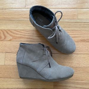 TOMS Desert Taupe Wedge Booties 7